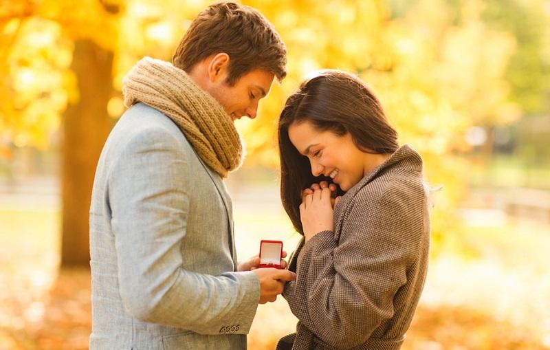 https: img.okezone.com content 2019 11 12 196 2128926 10-tanda-kamu-sudah-siap-melangkah-ke-jenjang-pernikahan-XXV2rNHDx8.jpg