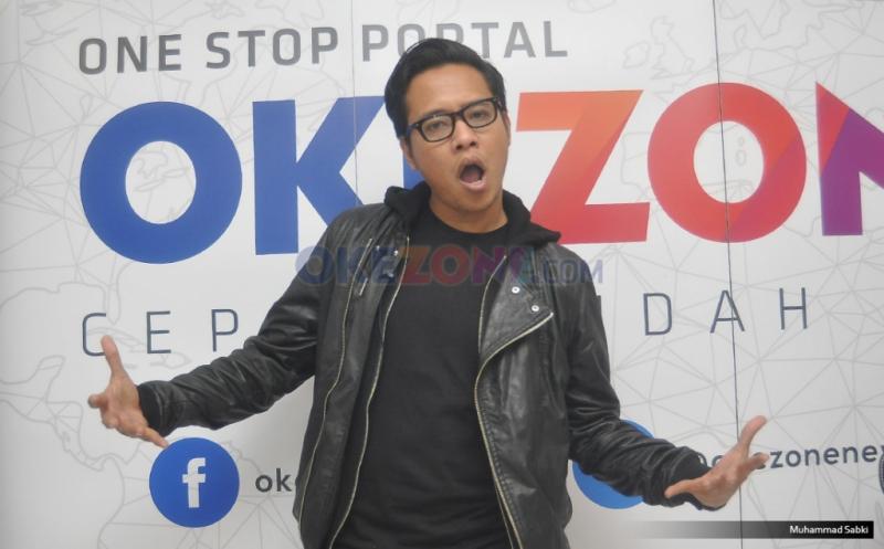 https: img.okezone.com content 2019 11 12 205 2129042 gofar-hilman-ungkap-fenomena-bernyanyi-indonesia-9iiYUT5SuO.jpg