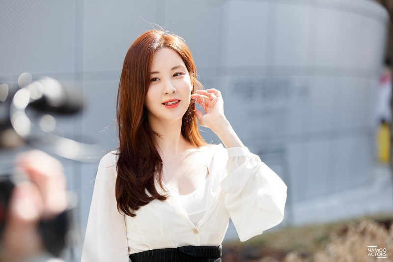 https: img.okezone.com content 2019 11 12 206 2128750 jtbc-gaet-seohyun-snsd-bintangi-hello-dracula-KawqR27n9y.jpg