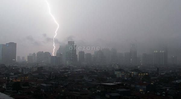 https: img.okezone.com content 2019 11 12 337 2128652 ini-daerah-yang-berpotensi-diguyur-hujan-lebat-sepekan-ke-depan-kwfFMJxViU.jpg