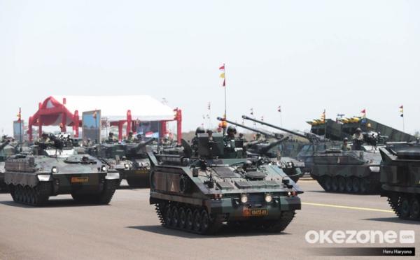 https: img.okezone.com content 2019 11 12 337 2128672 meski-bersifat-defensif-kemampuan-militer-indonesia-juga-harus-antisipasi-ancaman-NVHvBTJMsV.jpg