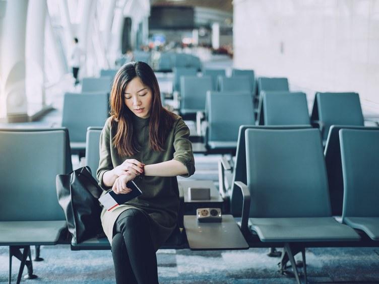 https: img.okezone.com content 2019 11 12 406 2128901 wanita-ini-tuntut-maskapai-penerbangan-karena-dituduh-berbuat-mesum-LyouqAt87Z.jpg