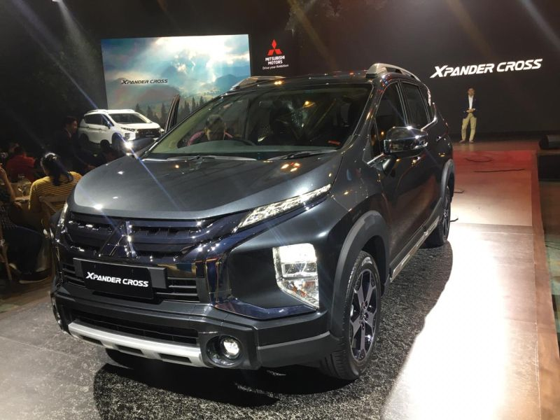 https: img.okezone.com content 2019 11 12 52 2128884 mitsubishi-xpander-crossover-resmi-meluncur-fIaWJY4lcm.jpg
