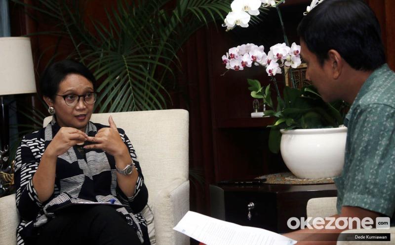 https: img.okezone.com content 2019 11 14 18 2130002 menlu-retno-indonesia-dorong-partisipasi-perempuan-dalam-operasi-penjaga-perdamaian-gAQPBdlmov.jpeg