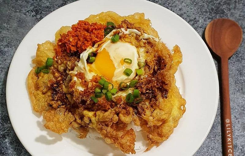 https: img.okezone.com content 2019 11 14 298 2129683 bikin-telur-dadar-crispy-dan-chicken-teriyaki-di-tanggal-tua-makan-makin-nikmat-r3LA8frdnt.jpg