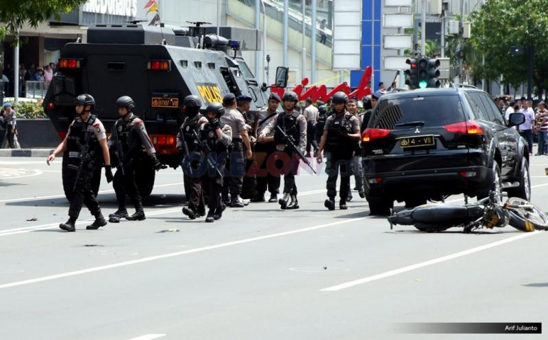 https: img.okezone.com content 2019 11 14 337 2129856 5-aksi-teror-bom-yang-guncang-indonesia-ORTp6CzxSF.jpg