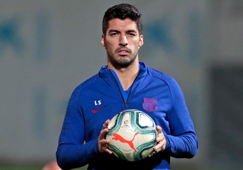 https: img.okezone.com content 2019 11 14 46 2129688 suarez-tak-masalah-barcelona-cari-striker-anyar-sXqnqjG7LN.jpg
