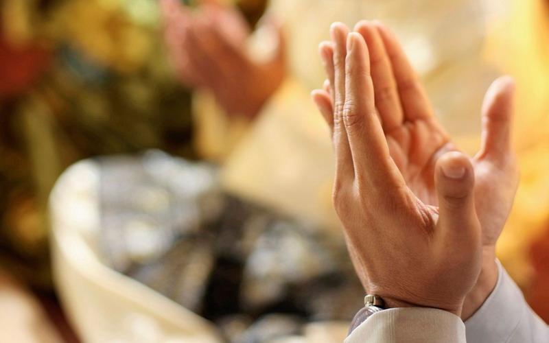 https: img.okezone.com content 2019 11 14 618 2129632 doa-agar-rezeki-lancar-yang-dibaca-sahabat-nabi-muhammad-saw-LQPfraSBZ3.jpg