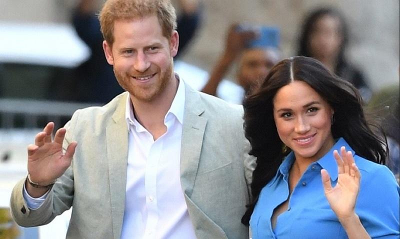 https: img.okezone.com content 2019 11 15 196 2130538 pangeran-harry-dan-meghan-markle-tidak-rayakan-natal-bersama-ratu-elizabeth-ii-makin-tidak-akur-rmb072tEwR.jpg