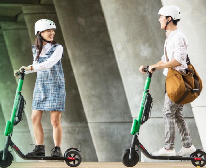https: img.okezone.com content 2019 11 15 320 2130413 gubernur-anies-serahkan-regulasi-skuter-listrik-ke-dishub-Y7JkRaA1z3.jpg