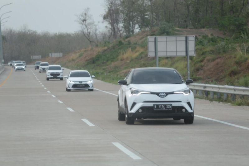 https: img.okezone.com content 2019 11 15 52 2130122 gali-kemungkinan-model-kendaraan-baru-rombongan-prinsipal-toyota-jelajah-lintas-jawa-sW3xSg1jgi.jpg