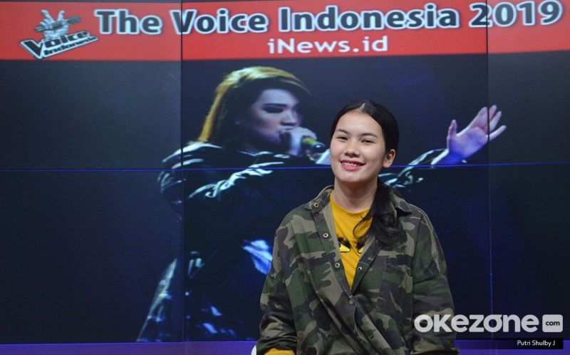 https: img.okezone.com content 2019 11 15 598 2130450 jadi-peserta-the-voice-indonesia-vionita-senang-dinyinyiri-netizen-MGIXHFGjcr.jpg