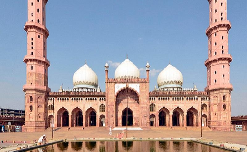 https: img.okezone.com content 2019 11 15 615 2130204 6-masjid-terbesar-di-dunia-salah-satunya-di-indonesia-yUHMRKbEp4.jpg