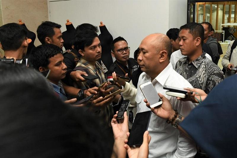 https: img.okezone.com content 2019 11 16 1 2130649 menteri-teten-akan-ubah-smesco-indonesia-jadi-pusat-peradaban-baru-i0sjF9PUnK.jpg