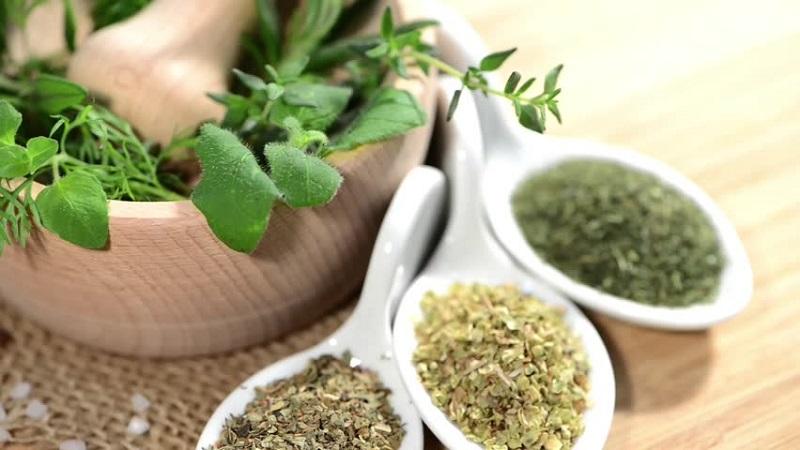 https: img.okezone.com content 2019 11 18 481 2131301 obat-obatan-herbal-tak-selamanya-baik-untuk-pasien-kanker-ini-kata-pakar-kesehatan-7oXQAay93h.jpg