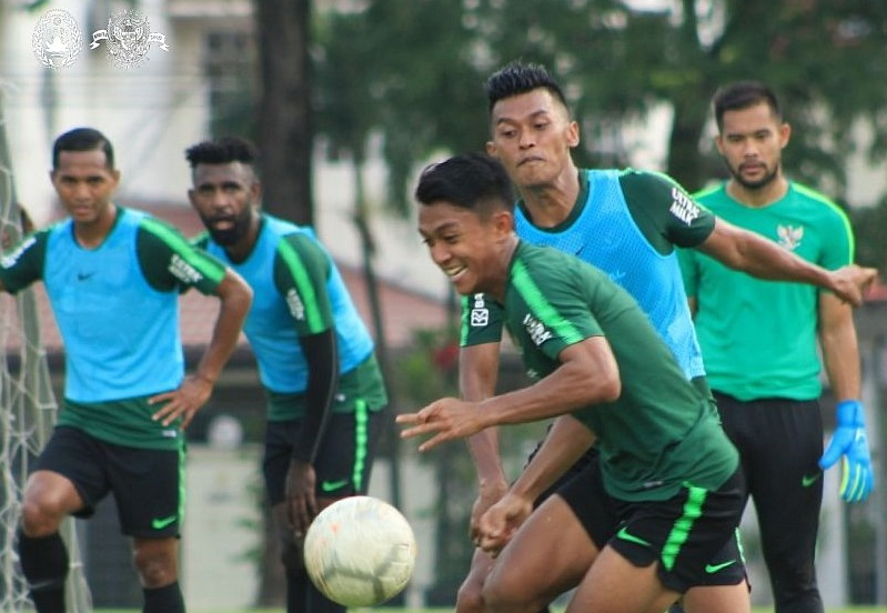 https: img.okezone.com content 2019 11 18 51 2131121 pelatih-timnas-malaysia-waspadai-kebangkitan-indonesia-KYd1gI7gJ3.jpg