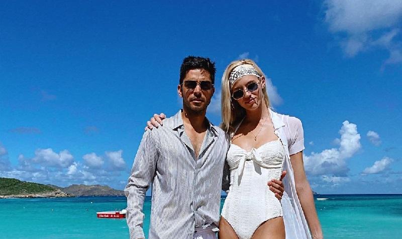 https: img.okezone.com content 2019 11 19 194 2131893 antimainstream-model-seksi-ini-pilih-gunakan-bikini-di-pesta-pernikahannya-NGjkFyFukA.jpg