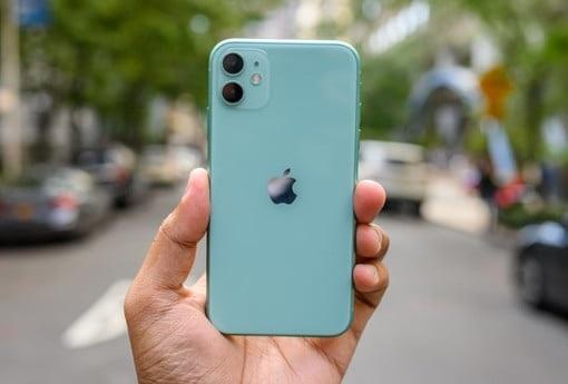 https: img.okezone.com content 2019 11 19 57 2131741 iphone-11-mulai-dijual-6-desember-di-indonesia-berapa-harganya-IOS4UFO3EZ.jpg