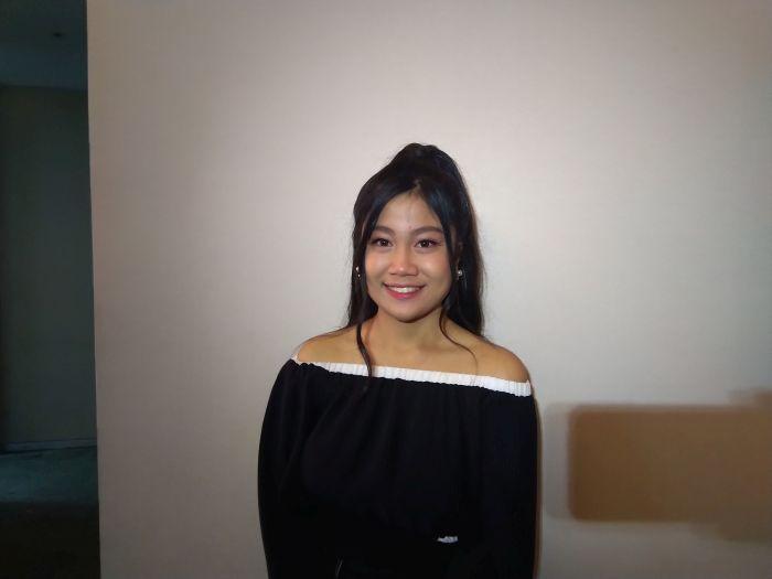 https: img.okezone.com content 2019 11 19 598 2131557 tersingkir-dari-indonesian-idol-x-della-mengaku-ikhlas-XnFWUvu1wS.jpg