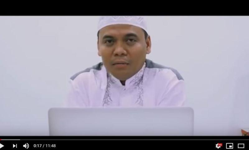 https: img.okezone.com content 2019 11 19 614 2131737 pertanyaan-nabi-muhammad-atau-soekarno-gus-nur-dijawab-salah-enggak-dijawab-salah-i0dvdxiBMq.jpg