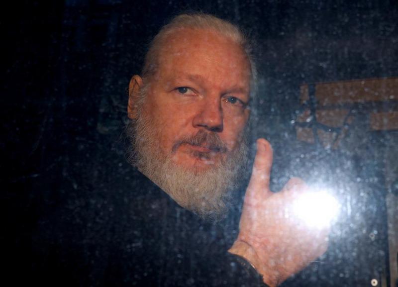 https: img.okezone.com content 2019 11 20 18 2132118 setelah-10-tahun-swedia-batalkan-penyelidikan-kasus-perkosaan-pendiri-wikileaks-julian-assange-smcdaHgeg6.jpg