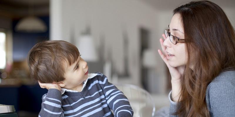https: img.okezone.com content 2019 11 20 196 2132146 9-rahasia-pola-asuh-anak-agar-tumbuh-cerdas-dan-berbakti-pada-orangtua-sOwtw02rau.jpg