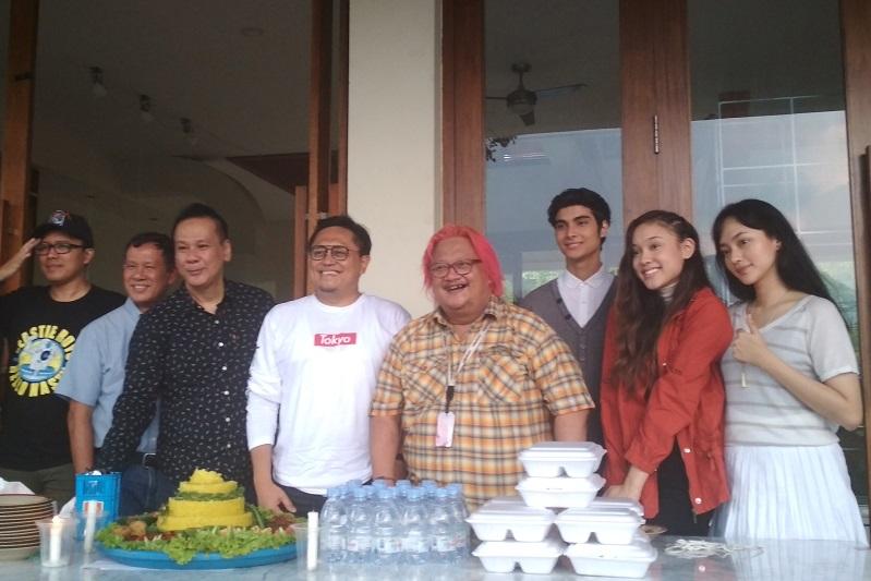 https: img.okezone.com content 2019 11 20 206 2132441 film-2045-tampilkan-kecanggihan-teknologi-indonesia-di-masa-mendatang-bKrQwYCxO0.jpg
