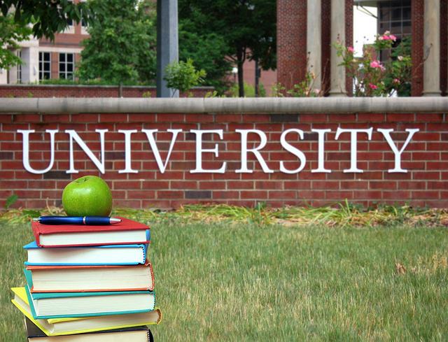 https: img.okezone.com content 2019 11 20 65 2132084 hasil-penelitian-2016-2018-ini-daftar-10-perguruan-tinggi-dengan-kinerja-tertinggi-qlcdwo3FUw.jpg