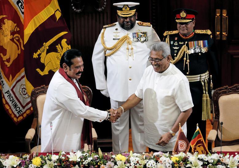 https: img.okezone.com content 2019 11 21 18 2132826 presiden-gotabaya-rajapaksa-lantik-saudaranya-sendiri-sebagai-pm-sri-lanka-gih1Kuz8vq.jpg