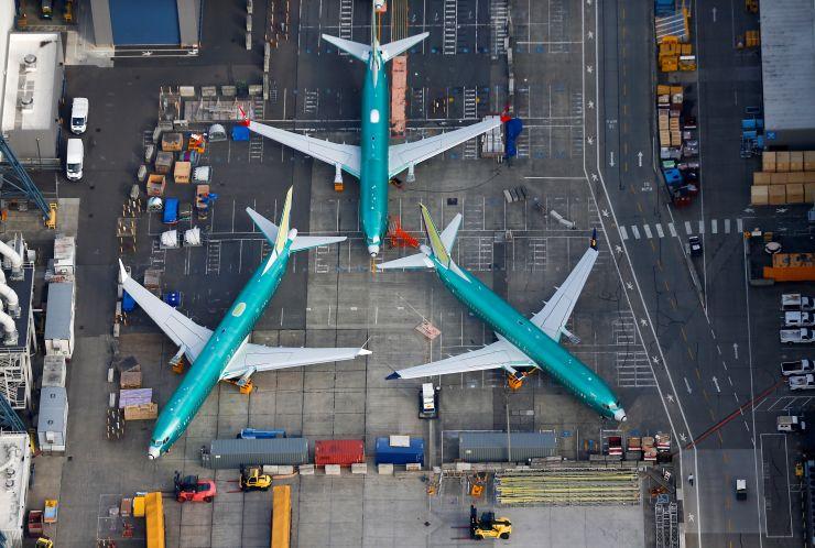 https: img.okezone.com content 2019 11 21 320 2132727 selain-beli-pesawat-airbus-emirates-juga-borong-30-boeing-787-9-dreamliner-Ik7WiLpyEe.jpg