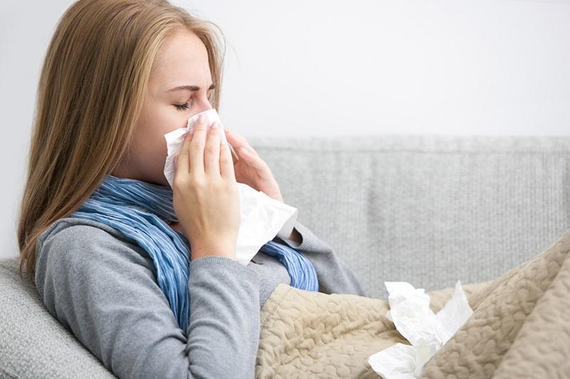 https: img.okezone.com content 2019 11 21 481 2132547 tanpa-obat-begini-6-cara-redakan-flu-dan-batuk-wf2MVwLoOV.jpg