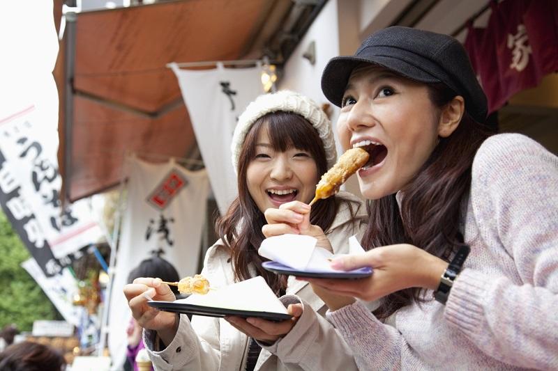 https: img.okezone.com content 2019 11 22 298 2133028 fusion-food-tren-di-kalangan-milenial-pebisnis-kuliner-harus-terus-berinovasi-eZpYNFM4nb.jpg