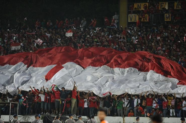 https: img.okezone.com content 2019 11 22 51 2133044 sikap-kemenpora-terhadap-pemukulan-suporter-timnas-indonesia-di-malaysia-zfDDyUz5XA.jpg