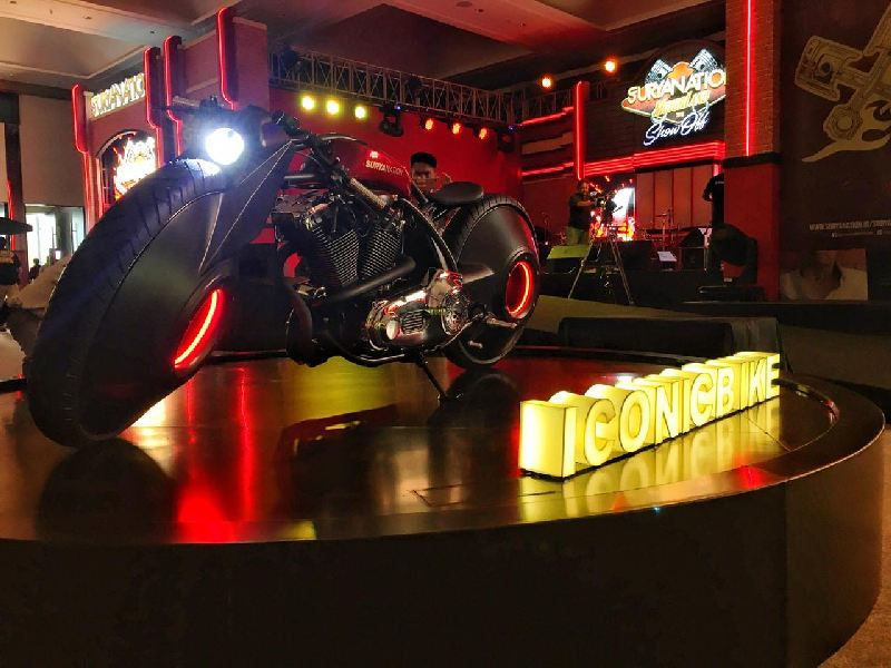 https: img.okezone.com content 2019 11 23 312 2133675 intip-iconic-bike-suryanation-motorland-2019-bertema-boardtracker-masa-depan-the-spirit-y1FPsm92I1.jpg