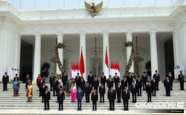 https: img.okezone.com content 2019 11 23 337 2133569 survei-indonesia-political-opinion-64-masyarakat-optimis-dengan-kebinet-jokowi-0GM4qCoWzd.jpg