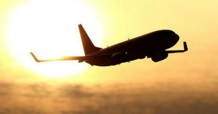 https: img.okezone.com content 2019 11 23 406 2133433 menyamar-jadi-pilot-pria-ini-sukses-terbang-gratis-beberapa-kali-7YXc6cVOaR.jpg
