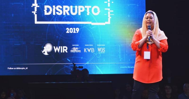 https: img.okezone.com content 2019 11 23 56 2133511 event-disrupto-2019-hadirkan-teknologi-ai-hingga-robot-6kRwx0BC4M.jpg