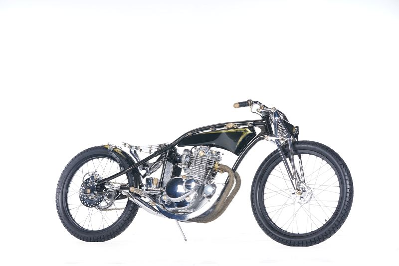 https: img.okezone.com content 2019 11 25 312 2134335 modifikasi-suzuki-thunder-gaya-board-tracker-didapuk-the-greatest-bike-2019-UmIZAdCC8B.jpg