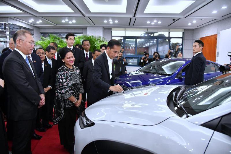 https: img.okezone.com content 2019 11 27 52 2135287 produsen-otomotif-ungkap-kucuran-investasi-kemenperin-indonesia-masih-seksi-jadi-basis-ekspor-f58bQSO6B6.jpg