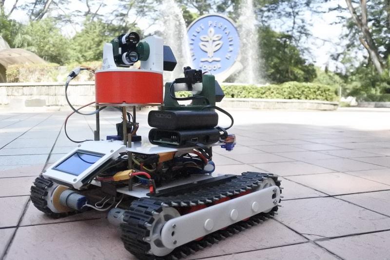 https: img.okezone.com content 2019 11 27 65 2135078 aurora-robot-ciptaan-ipb-bisa-pantau-kematangan-kelapa-sawit-Fdrs5sXcqA.jpg