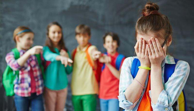 https: img.okezone.com content 2019 11 28 340 2135650 bullying-dan-penganiayaan-di-smp-38-pekanbaru-2-siswa-jadi-tersangka-Fml2V5WrbO.jpg