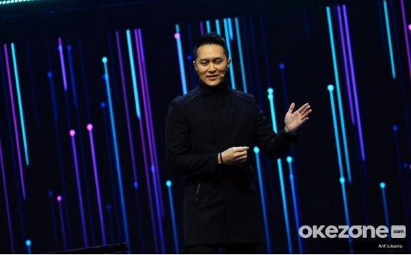 https: img.okezone.com content 2019 11 28 598 2135712 demian-aditya-prediksi-pemenang-the-voice-indonesia-2019-HS79ehbR2l.jpg