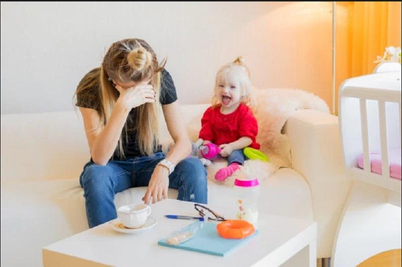 https: img.okezone.com content 2019 11 28 612 2135710 cari-pengasuh-anak-dengan-segudang-syarat-tak-masuk-akal-ibu-ini-mendadak-viral-FuNKS9FeH6.jpg