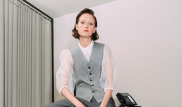 https: img.okezone.com content 2019 11 29 194 2136213 5-tips-padu-padan-busana-untuk-wanita-yang-punya-mobilitas-tinggi-7VVPqHZDR4.JPG