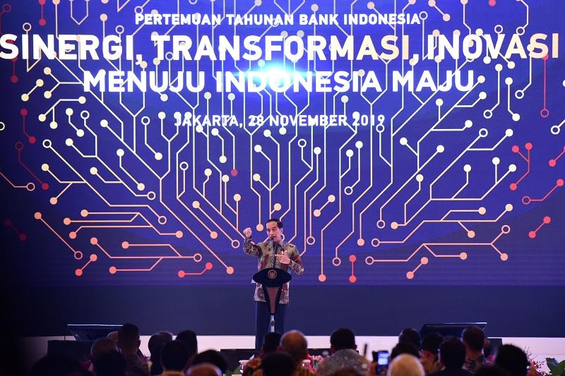 https: img.okezone.com content 2019 11 29 20 2135913 4-fakta-ekonomi-indonesia-bak-film-cast-away-versi-presiden-jokowi-lvU8tUUd85.jpg