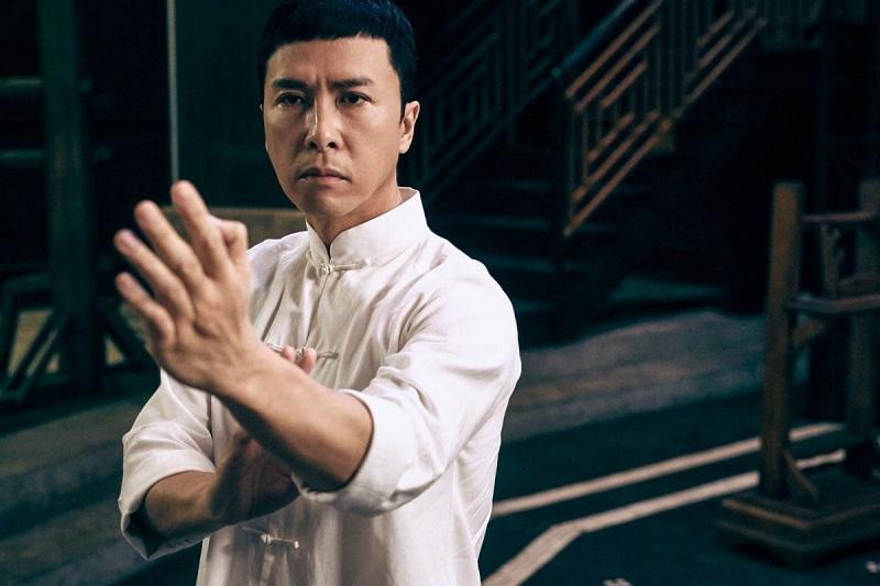 https: img.okezone.com content 2019 11 29 206 2136150 ip-man-4-tayang-donnie-yen-pensiun-main-film-kungfu-MIstBZoQPa.jpg