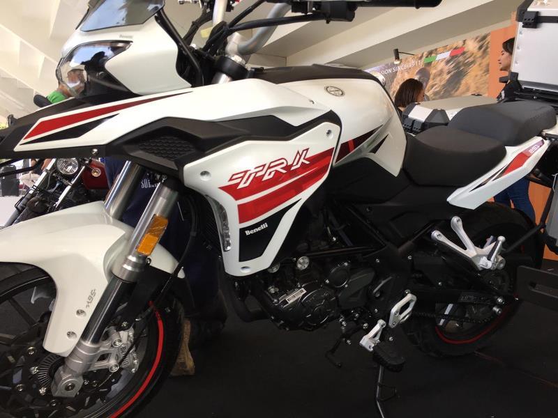 https: img.okezone.com content 2019 11 29 52 2136024 tiga-motor-baru-benelli-meluncur-di-ajang-iims-motobike-expo-2019-MdCyVXRkz5.jpg