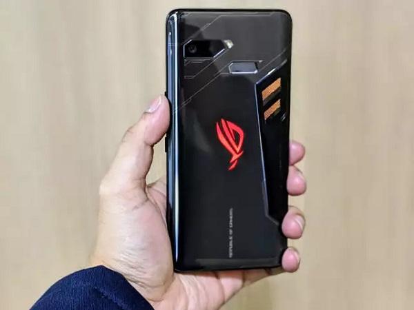 https: img.okezone.com content 2019 11 29 57 2135896 asus-rog-phone-akhirnya-terima-update-android-pie-rw9HK8c8wY.jpg