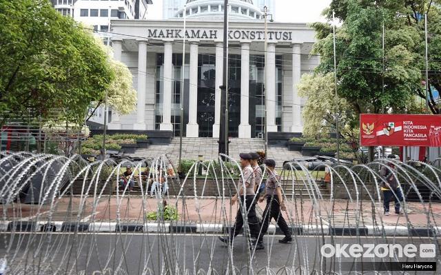 https: img.okezone.com content 2019 11 30 337 2136261 putusan-mk-dinilai-kuatkan-peradi-sebagai-organisasi-tunggal-advokat-UvKeGwNRso.JPG