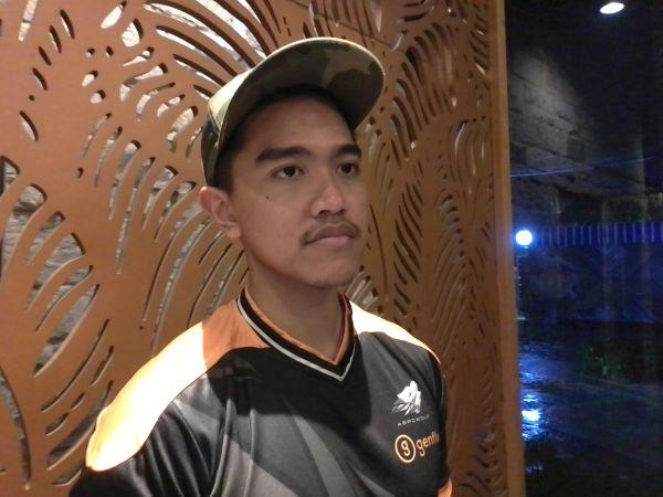 https: img.okezone.com content 2019 11 30 337 2136293 kaesang-putra-jokowi-akui-tertarik-politik-mau-maju-di-pilkada-42CsXpnxDt.jpg